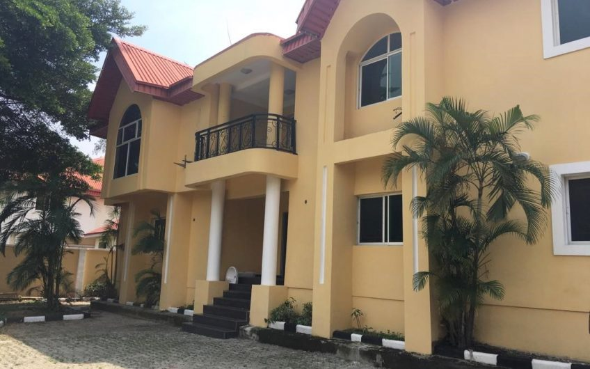 newly renovated 6 bedroom duplex