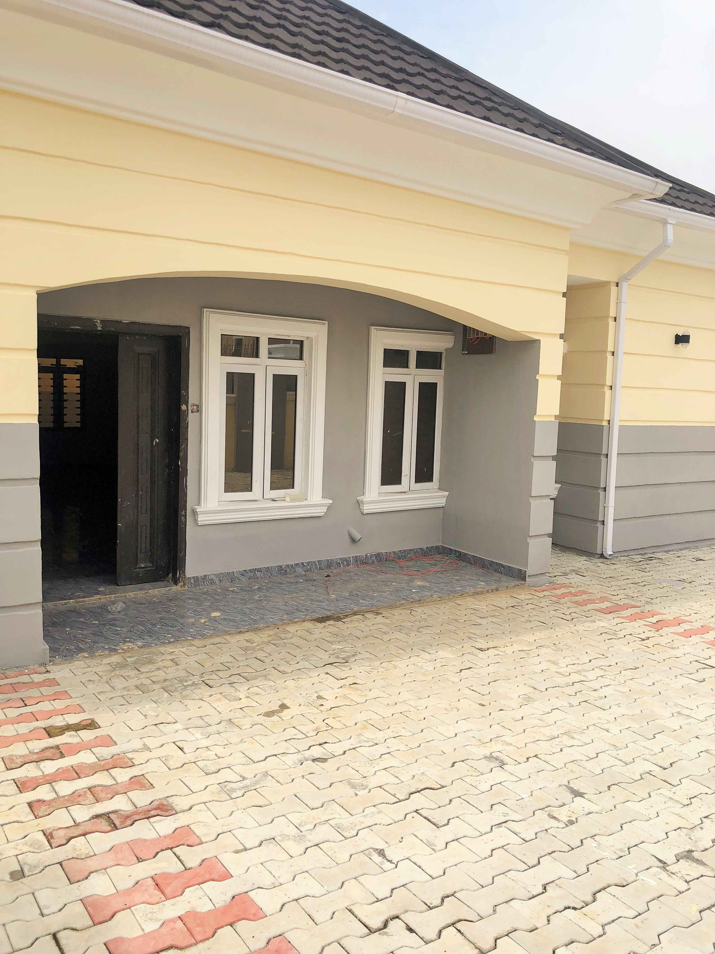 scintillating 3 bedroom bungalow
