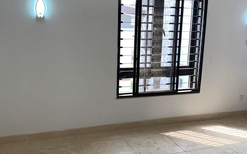dashing 5 bedroom flat