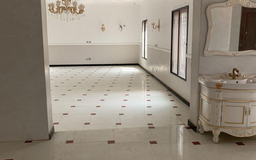 Luxurious 6 bedroom duplex