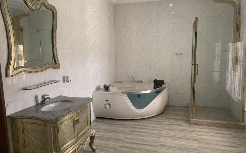 Exquisite 6 bedroom detached duplex
