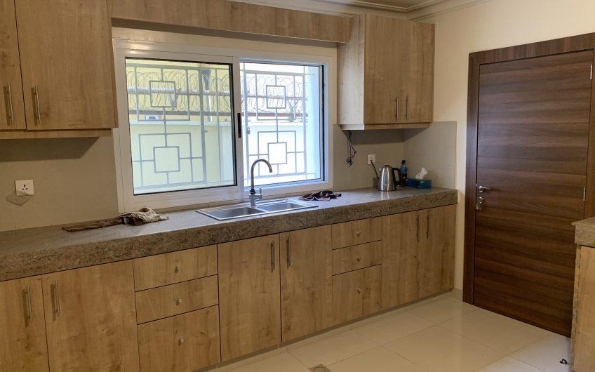 Luxurious 5 bedroom detached duplex