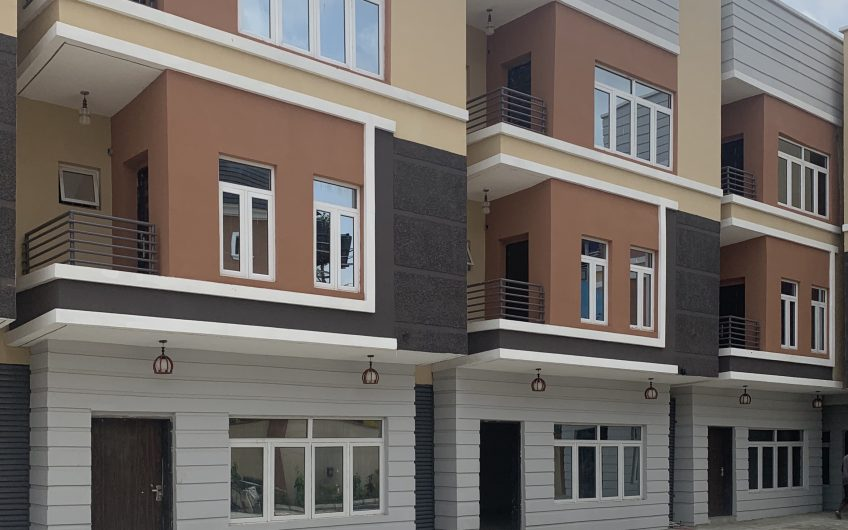 Newly built 6 units of 4 bedroom terraced duplexes